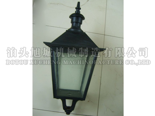 Cast aluminium large square lamp holder