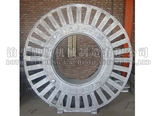 Cast aluminum wheel