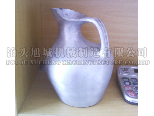 Cast aluminum kettle