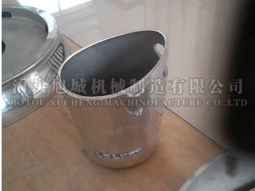 Cast aluminum bar ice bucket