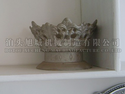 Cast aluminium crown lamp holder